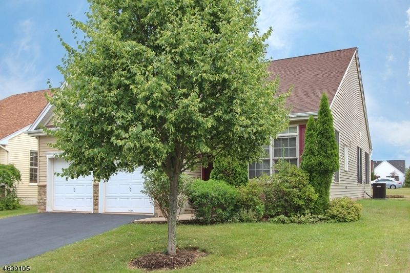 Additional photo for property listing at 2 SPADER WAY  Somerset, New Jersey 08873 United States