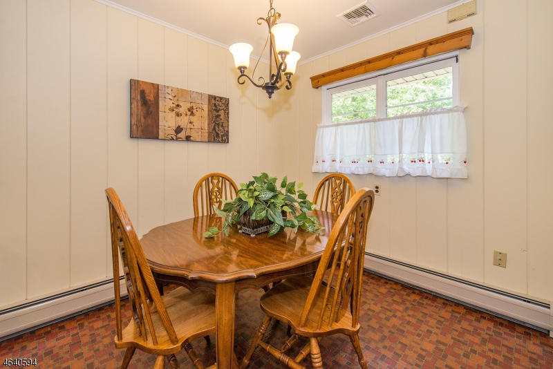 Additional photo for property listing at 37 Grandview Place  Caldwell, New Jersey 07006 États-Unis