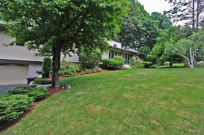 Maison unifamiliale pour l Vente à 6 Lincoln Road Butler, New Jersey 07405 États-Unis