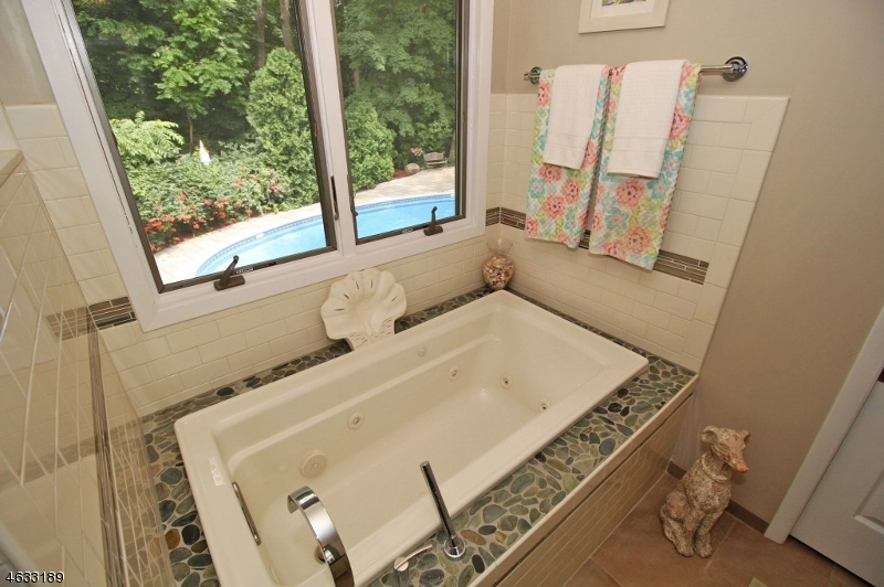Additional photo for property listing at 6 Lincoln Road  Butler, 新泽西州 07405 美国