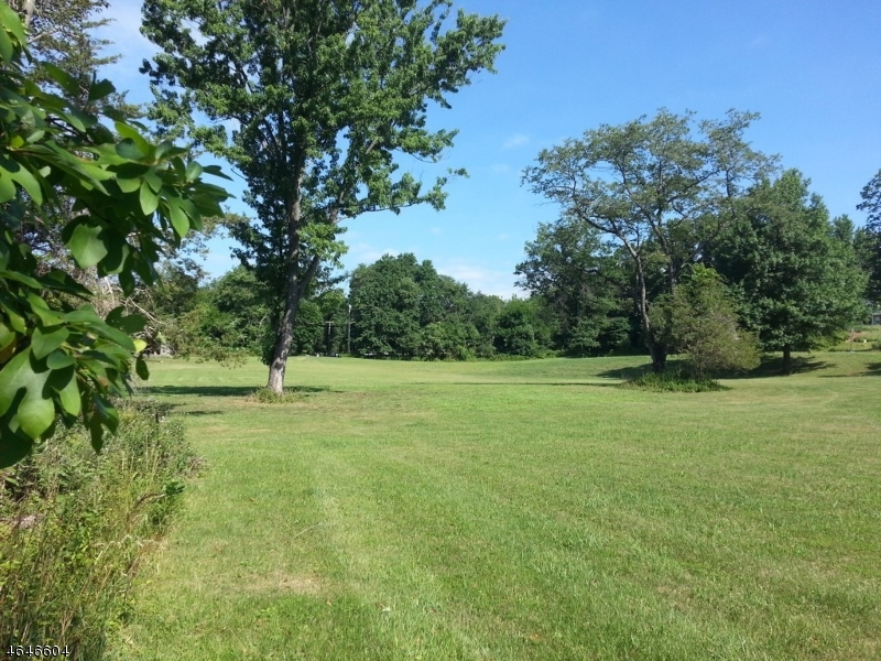 Additional photo for property listing at 6 Wyckoff Road  Readington, New Jersey 08889 États-Unis