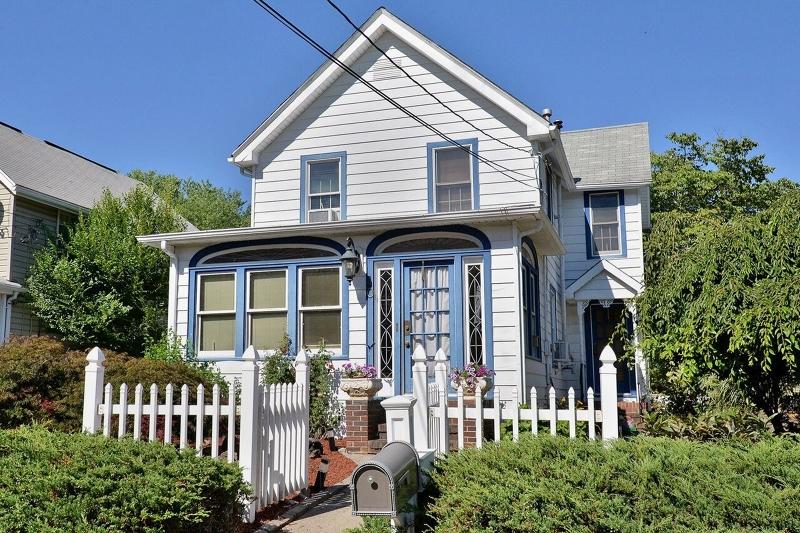 Частный односемейный дом для того Продажа на 10 Newark Pompton Tpke Wayne, Нью-Джерси 07470 Соединенные Штаты