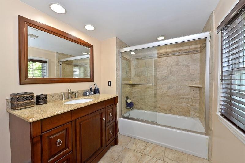 Additional photo for property listing at 10 Newark Pompton Tpke  Wayne, Нью-Джерси 07470 Соединенные Штаты