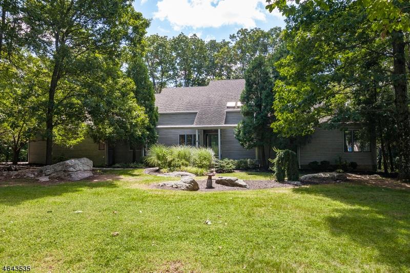 Casa Unifamiliar por un Alquiler en 8 Lenore Road Califon, Nueva Jersey 07830 Estados Unidos