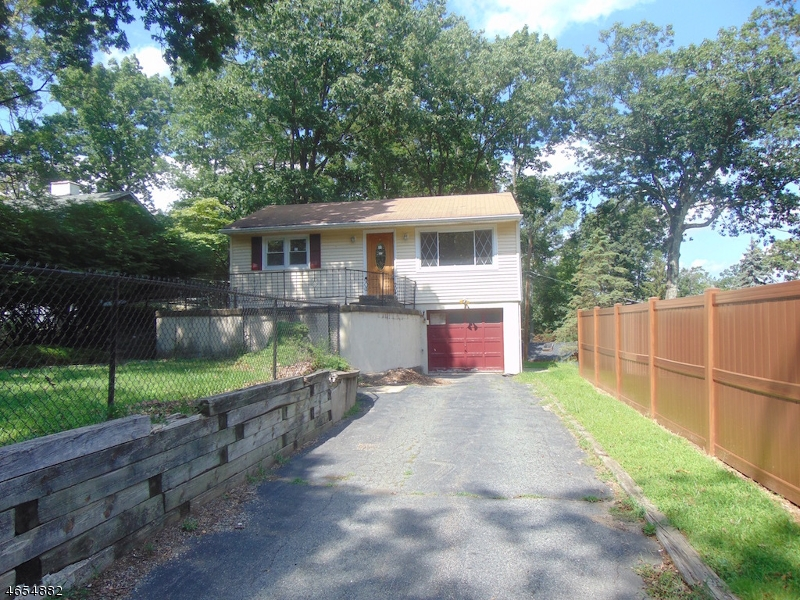 Single Family Home for Sale at 1 Pebble Beach Road Hopatcong, New Jersey 07843 United States