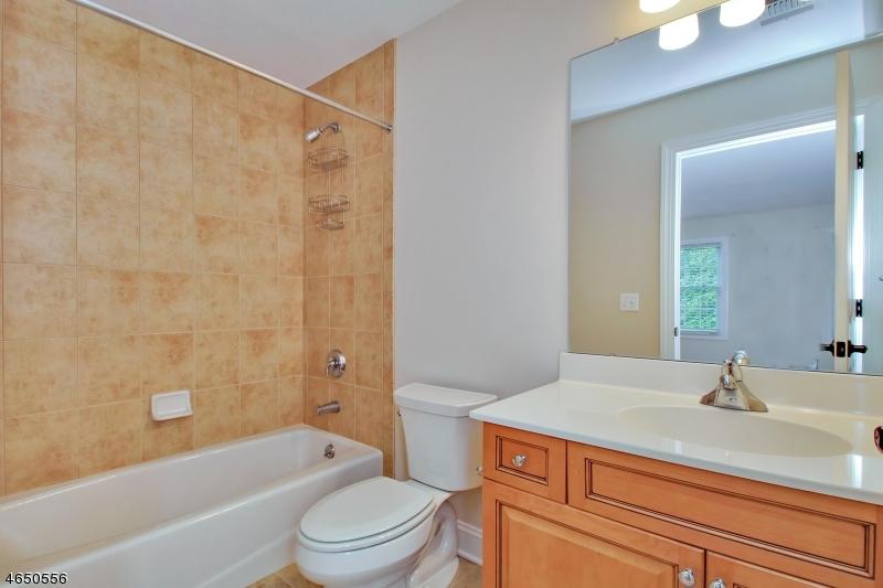 Additional photo for property listing at 29 CHIMNEY RIDGE Trail  West Milford, Нью-Джерси 07480 Соединенные Штаты