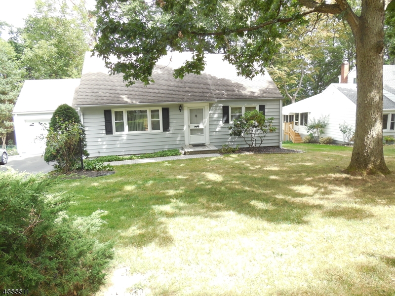 Additional photo for property listing at 9 Frank Ter  Whippany, New Jersey 07981 United States