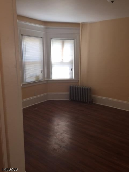 Additional photo for property listing at 44 N 13th Street  Newark, New Jersey 07107 États-Unis