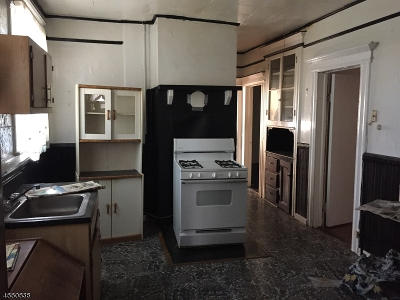 Additional photo for property listing at 184 Ellis Avenue  Irvington, Nueva Jersey 07111 Estados Unidos