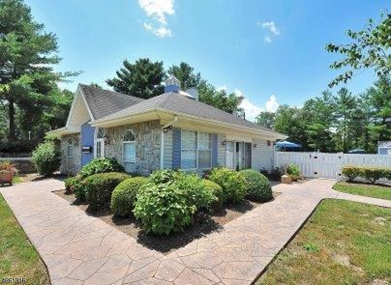 Additional photo for property listing at 66 Robertson Way  Lincoln Park, Nueva Jersey 07035 Estados Unidos