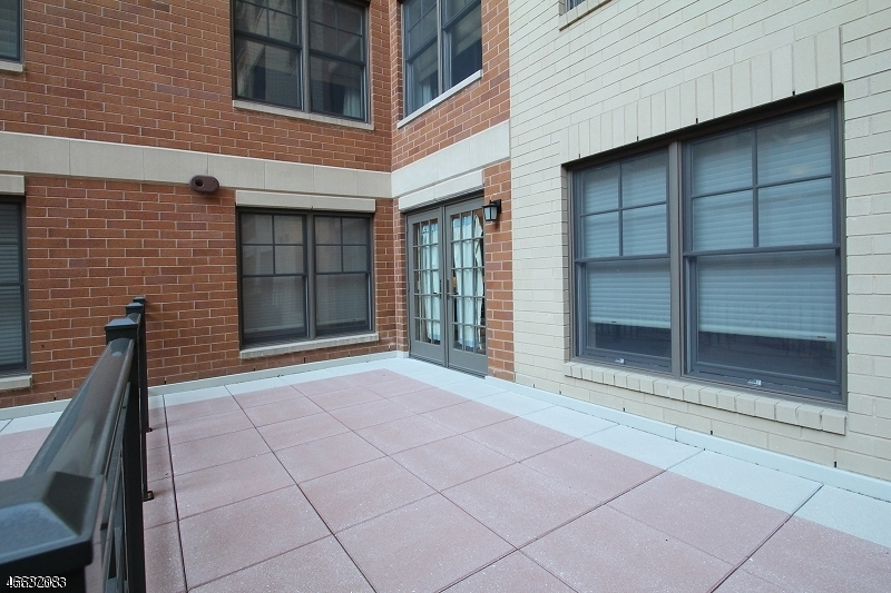 Additional photo for property listing at 40 W Park Pl Unit 204  Morristown, New Jersey 07960 United States