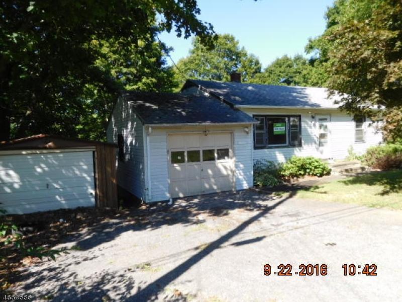 Частный односемейный дом для того Продажа на 25 Banks St, Hamburg, Нью-Джерси 07419 Соединенные Штаты
