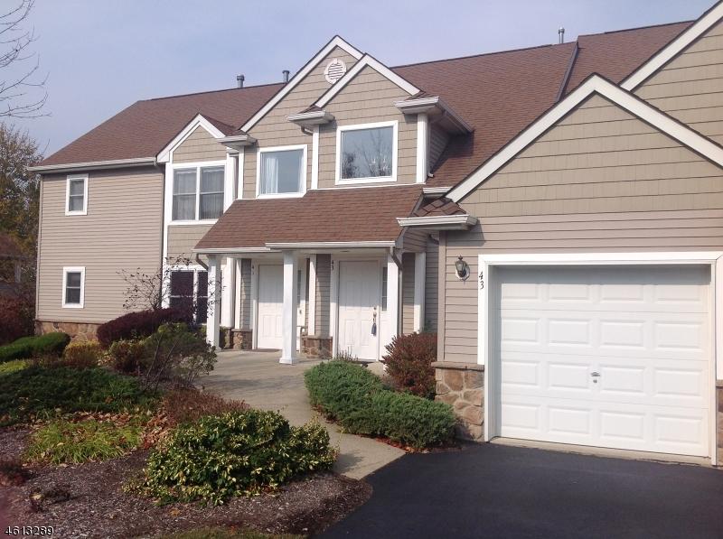 独户住宅 为 销售 在 43 BOURNE CI 汉堡, 新泽西州 07419 美国