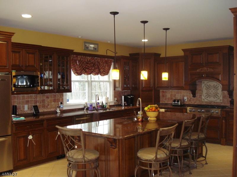 独户住宅 为 销售 在 25-37 ROOSEVELT Avenue 哈克特斯镇, 07840 美国