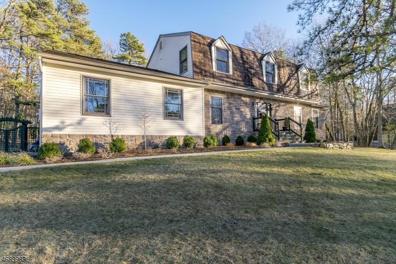 Частный односемейный дом для того Продажа на 6 Hillary Ter Succasunna, 07876 Соединенные Штаты