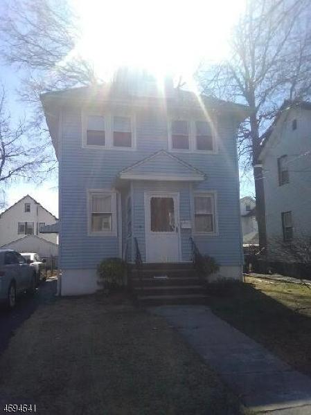 独户住宅 为 出租 在 1360 Garfield Place Elizabeth, 新泽西州 07208 美国