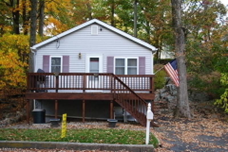 Maison unifamiliale pour l à louer à 6 Jefferson Trail Hopatcong, New Jersey 07843 États-Unis
