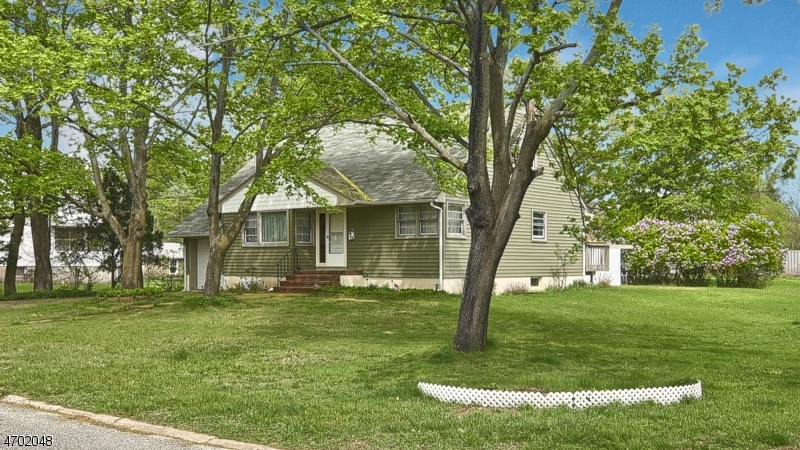 Single Family Home for Sale at 19 Randolph Street Lincoln Park, 07035 United States