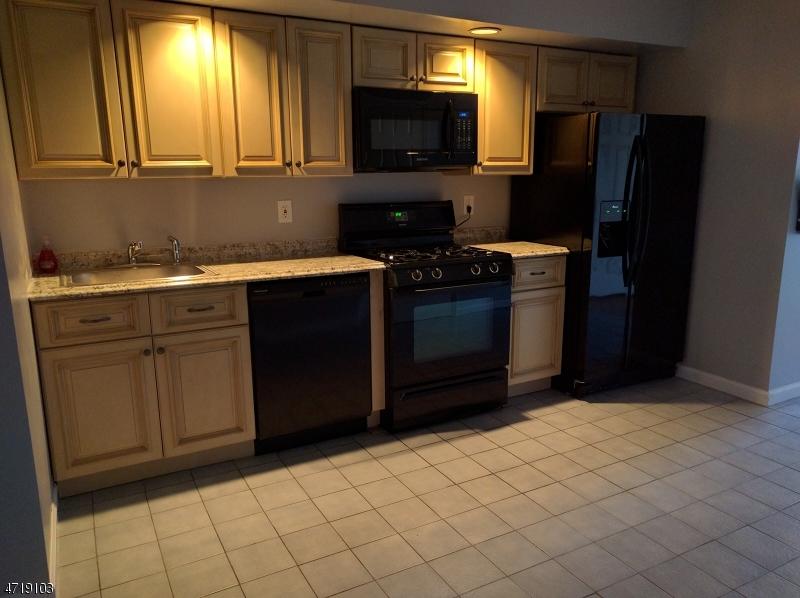 Casa Unifamiliar por un Alquiler en 11 Oak Street Rockaway, Nueva Jersey 07866 Estados Unidos