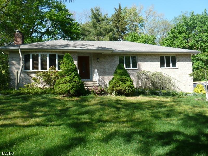 Casa Unifamiliar por un Alquiler en 1542 Route 22 Mountainside, Nueva Jersey 07092 Estados Unidos