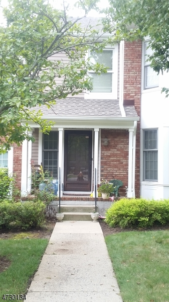 Частный односемейный дом для того Аренда на 136 Hawthorne Court Rockaway, Нью-Джерси 07866 Соединенные Штаты