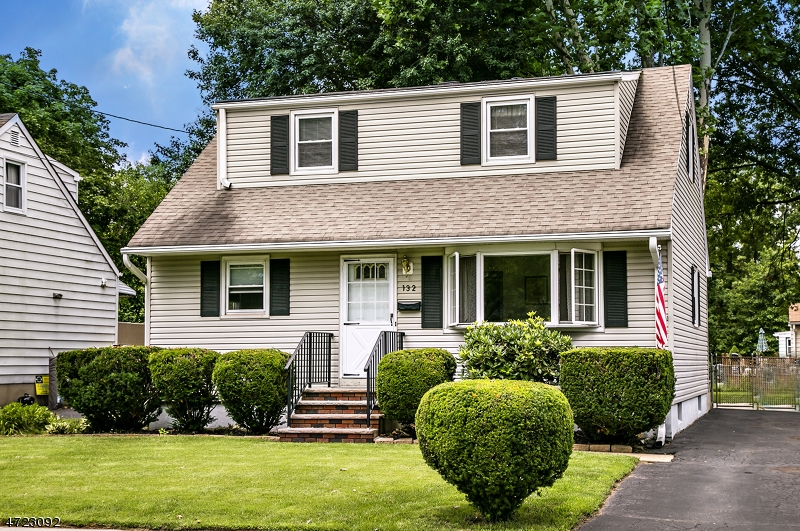 Single Family Home for Sale at 132 Cedar Street South Bound Brook, New Jersey 08880 United States