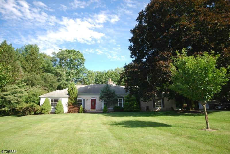 Einfamilienhaus für Verkauf beim 6 Club Road 6 Club Road Andover Township, New Jersey 07821 Vereinigte Staaten