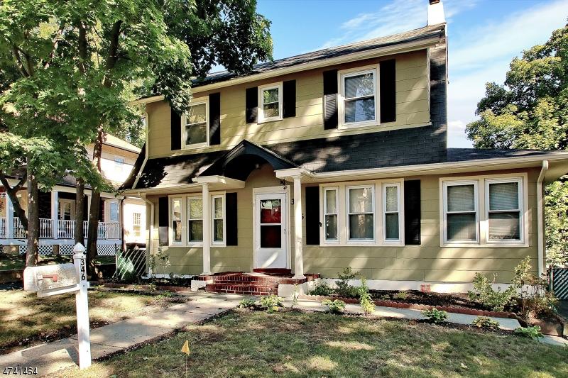 Maison unifamiliale pour l Vente à 346 Lookout Avenue Hackensack, New Jersey 07601 États-Unis
