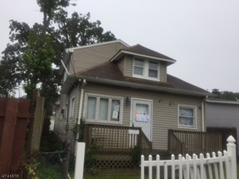 Single Family Home for Sale at 138 Woodland Avenue Keansburg, New Jersey 07734 United States