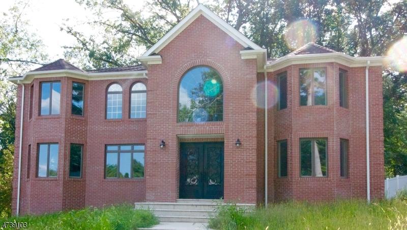 Casa Unifamiliar por un Venta en 18 Torbert Road Long Hill, Nueva Jersey 07933 Estados Unidos