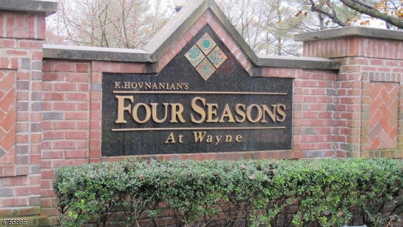 Частный односемейный дом для того Аренда на 1014 Four Seasons Drive Wayne, Нью-Джерси 07470 Соединенные Штаты