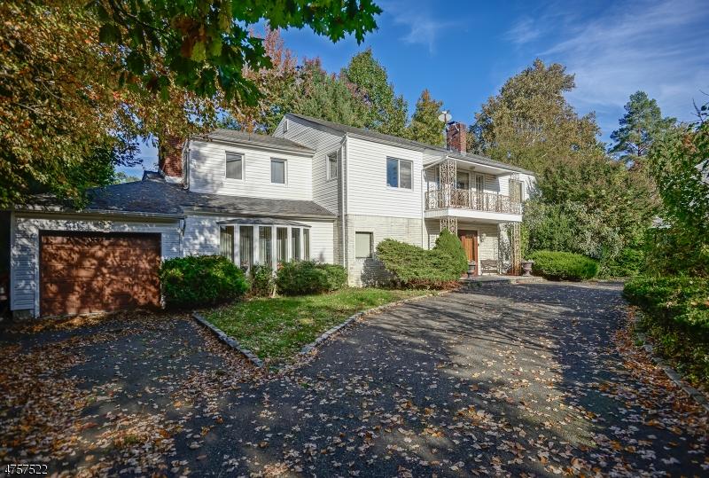 Частный односемейный дом для того Продажа на 840 Mountain Avenue Springfield, Нью-Джерси 07081 Соединенные Штаты