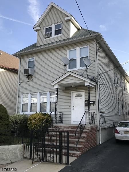 Частный односемейный дом для того Аренда на Address Not Available Paterson, Нью-Джерси 07514 Соединенные Штаты
