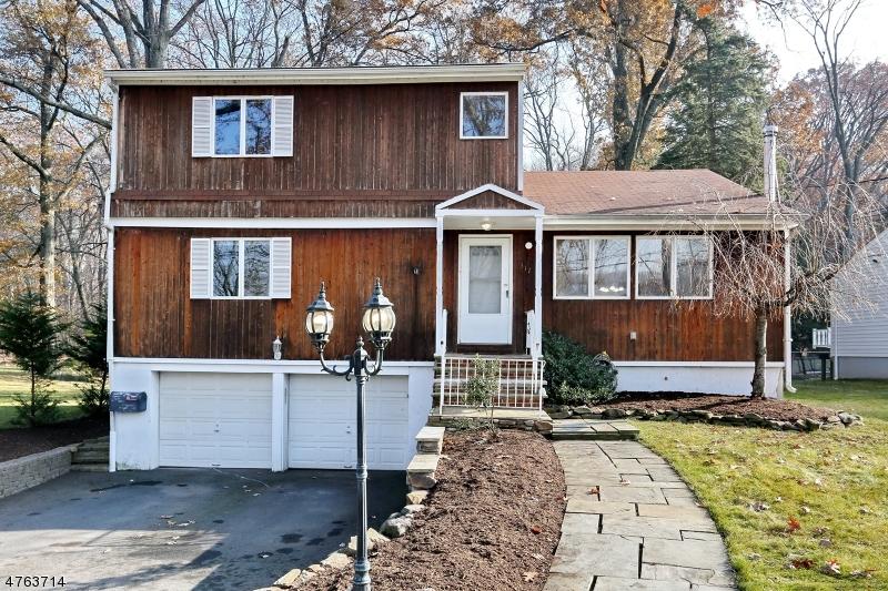 Nhà ở một gia đình vì Bán tại 317 Bowden Road Cedar Grove, New Jersey 07009 Hoa Kỳ