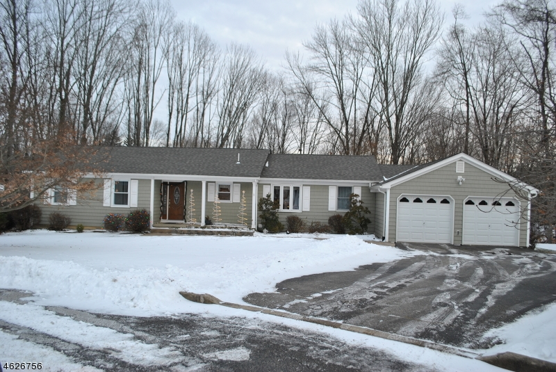 Casa Unifamiliar por un Venta en 18 Stillwell Road High Bridge, Nueva Jersey 08829 Estados Unidos