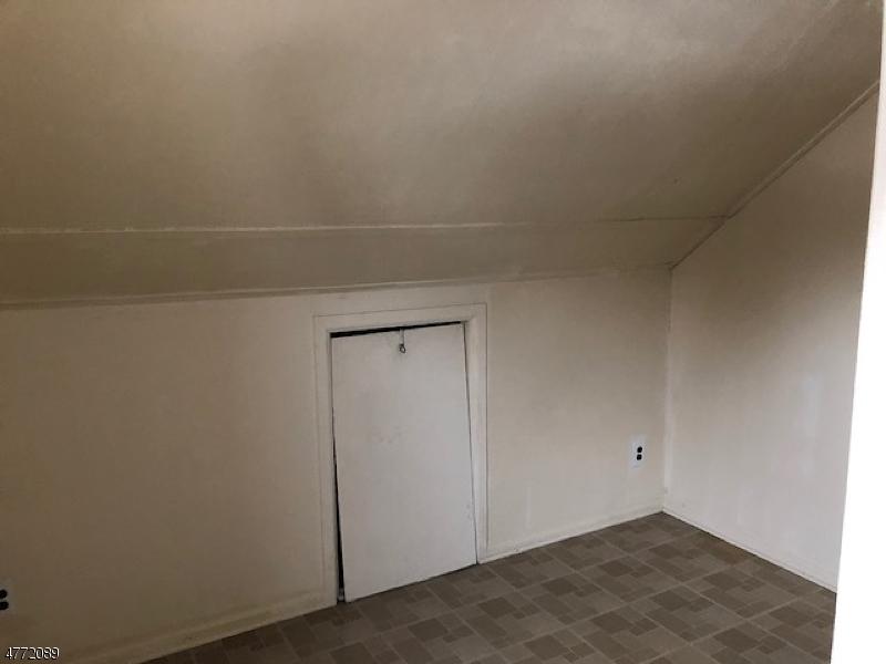 独户住宅 为 出租 在 49 Norwood Street Haledon, 新泽西州 07508 美国