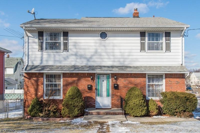 متعددة للعائلات الرئيسية للـ Sale في 158 E 11th Street 158 E 11th Street Clifton, New Jersey 07011 United States
