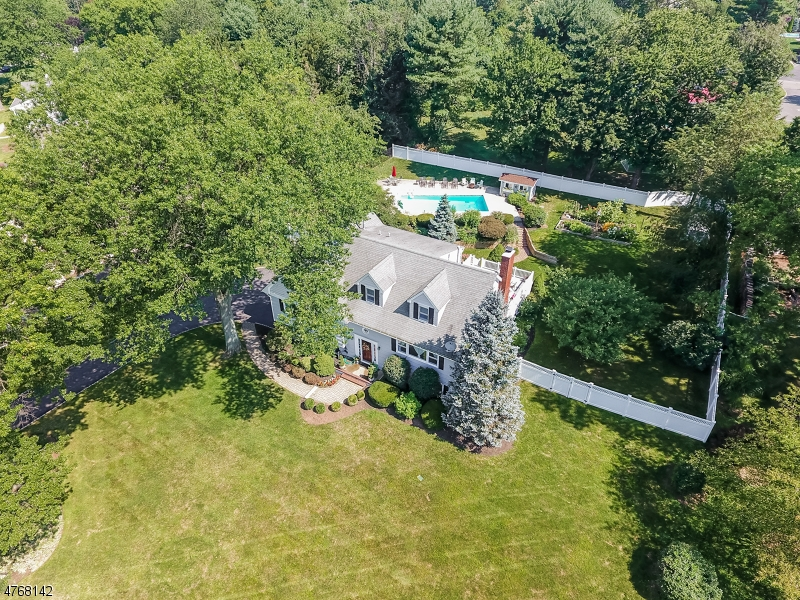 Single Family Home for Sale at 118 Rolling Hill Drive Long Hill, New Jersey 07946 United States