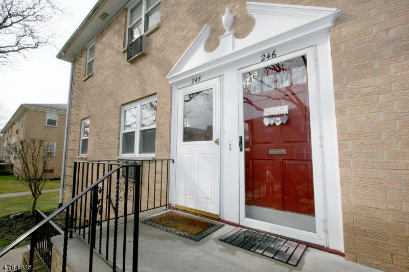 Casa Unifamiliar por un Alquiler en 725 Joralemon St, UNIT 245 Belleville, Nueva Jersey 07109 Estados Unidos