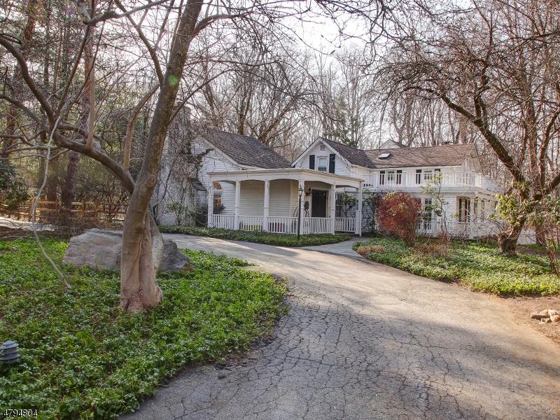Частный односемейный дом для того Продажа на 146 Long Hill Road Oakland, Нью-Джерси 07436 Соединенные Штаты