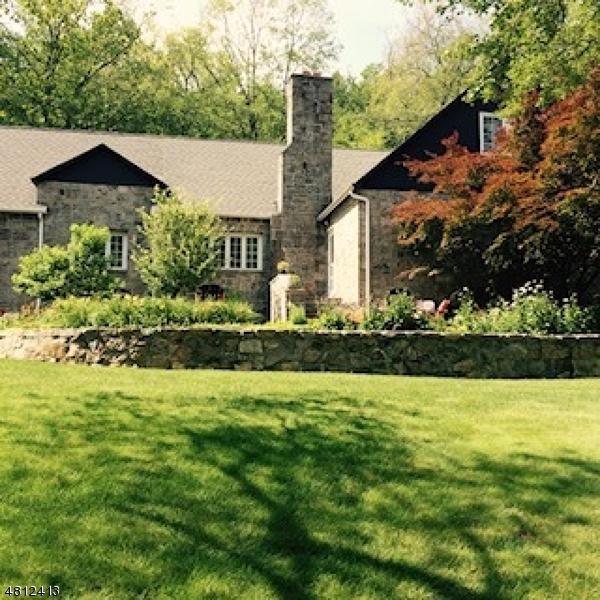 Casa Unifamiliar por un Venta en 5 W OWASSA TNPK Frankford Township, Nueva Jersey 07860 Estados Unidos