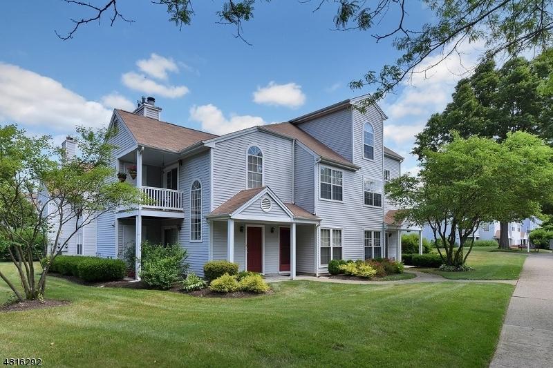 Condo / Townhouse pour l à louer à 18 HOMESTEAD Lane Lincoln Park, New Jersey 07035 États-Unis