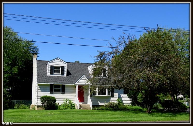 独户住宅 为 销售 在 817 LIMECREST ROAD 安德沃, 新泽西州 07860 美国