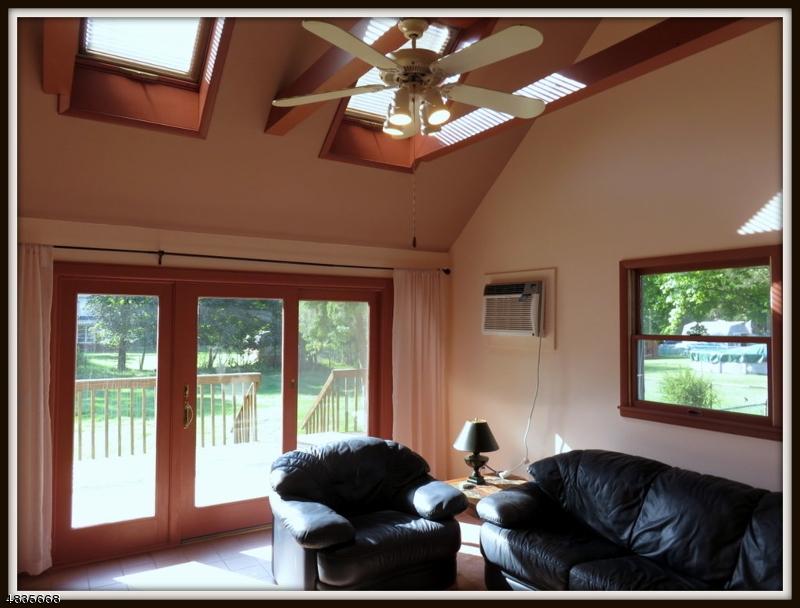 Additional photo for property listing at 817 LIMECREST ROAD  Andover, Nova Jersey 07860 Estados Unidos
