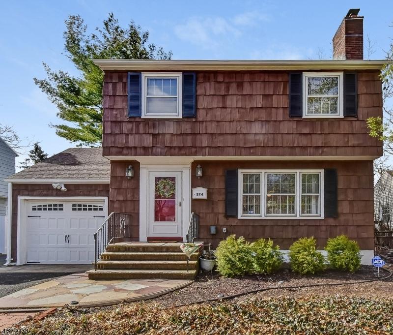 Частный односемейный дом для того Продажа на 374 WILLOW Drive Union, Нью-Джерси 07083 Соединенные Штаты