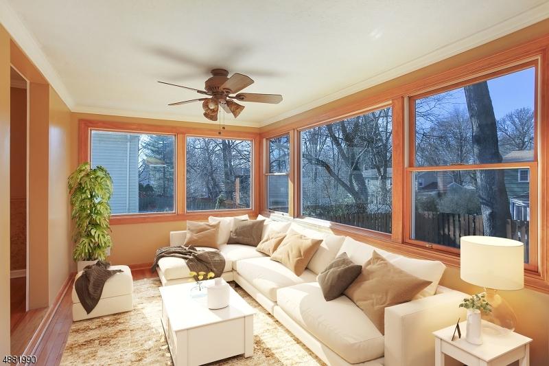 Villa per Vendita alle ore 97 CORIELL Avenue Fanwood, New Jersey 07023 Stati Uniti