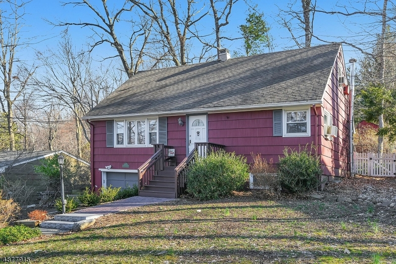 Single Family Home for Sale at 101 RAM HILLS BLVD 101 RAM HILLS BLVD Oakland, New Jersey 07436 United States