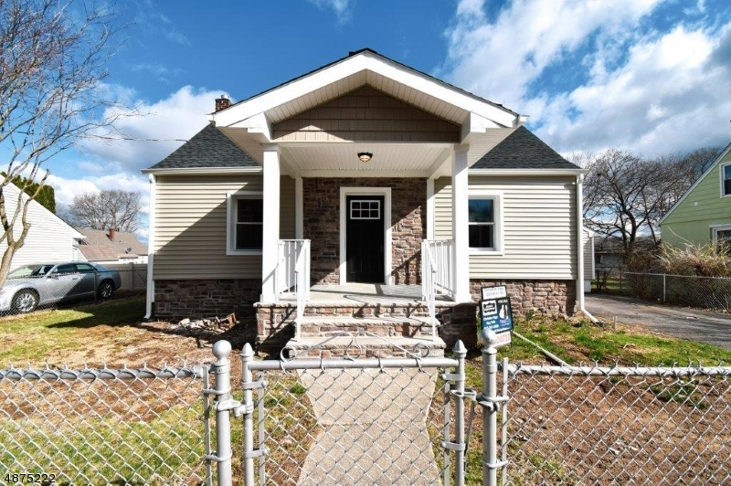 Частный односемейный дом для того Продажа на 9 CAROLYN WAY Netcong, Нью-Джерси 07857 Соединенные Штаты