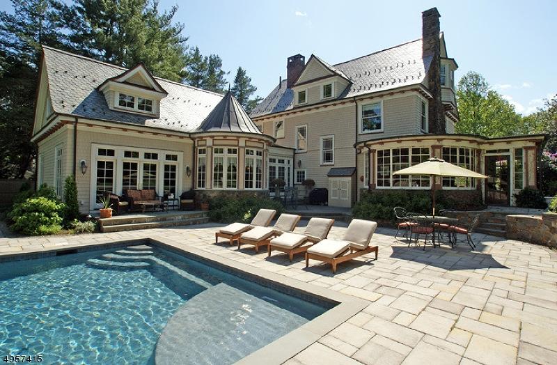 Single Family Homes vì Bán tại New Providence, New Jersey 07974 Hoa Kỳ