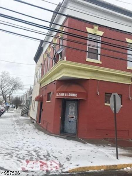 Multi-Family Homes por un Venta en Perth Amboy, Nueva Jersey 08861 Estados Unidos